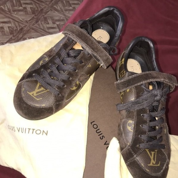 Louis Vuitton Women s sneakers 0e58c346790a